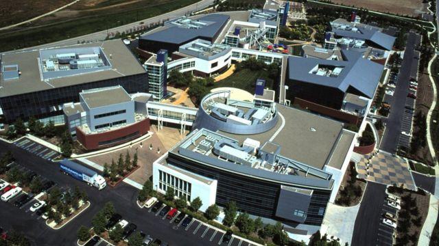 Vista área de uma empresa