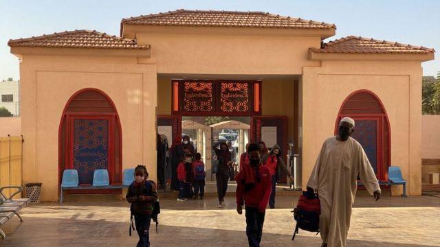 من مدرسة في الخرطوم، السودان