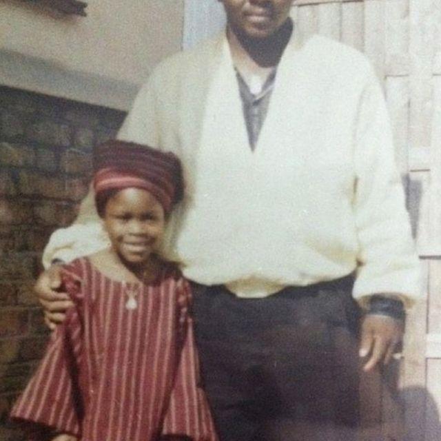 Gina Atinuke Knight com o tio
