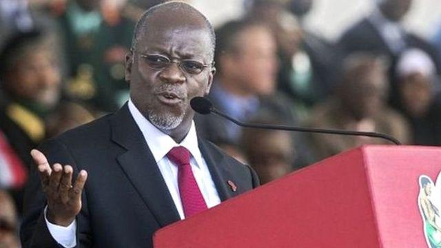 """Le billet incriminé écrit : """"le président John Magufuli """"prétend être un patriote et met en cause le patriotisme de quiconque s'oppose à lui, c'est hypocrite""""."""