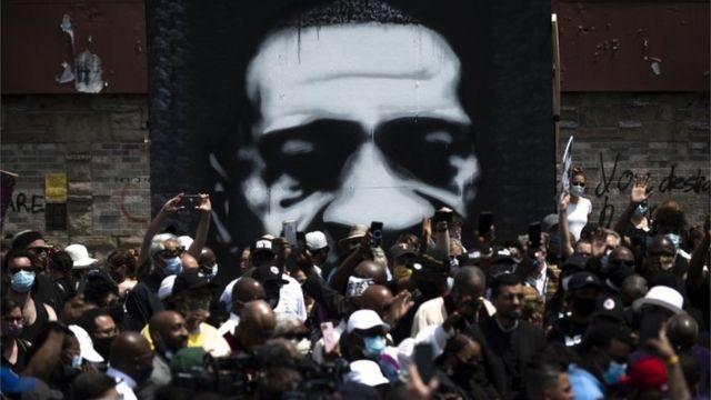 Mural de George Floyd en Minneapolis
