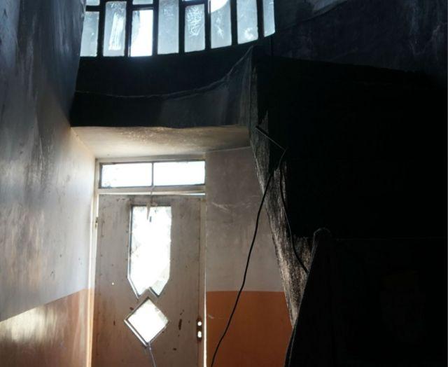أضرار داخل المنزل بسبب تفجير داخلي من تنفيذ انتحاري
