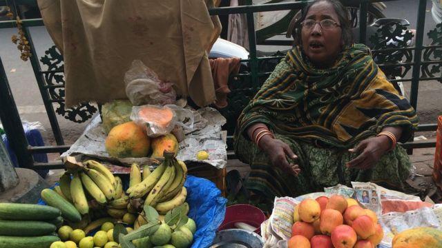 सब्जी बेचने वाली महिला