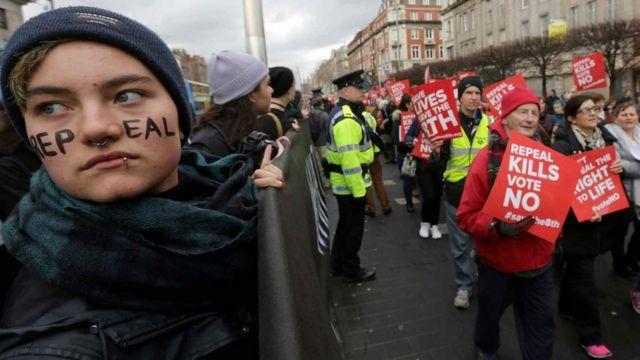 아일랜드에서는 지난 25일 낙태를 금지한 헌법 8조 폐기 여부를 묻는 국민투표가 진행됐다