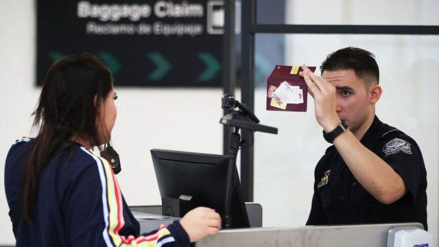 mulher na imigração