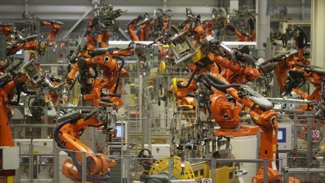 роботы на заводе