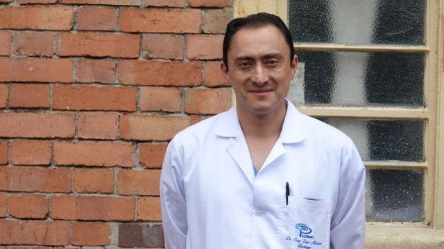César Cruz, urologo reconstructivo