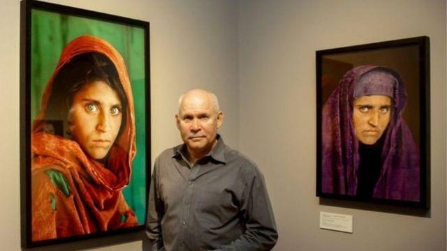 চিত্রগ্রাহক স্টিভ মাককারি ১৭ বছর আগে শারবত গুলের ছবি তুলেছিলেন