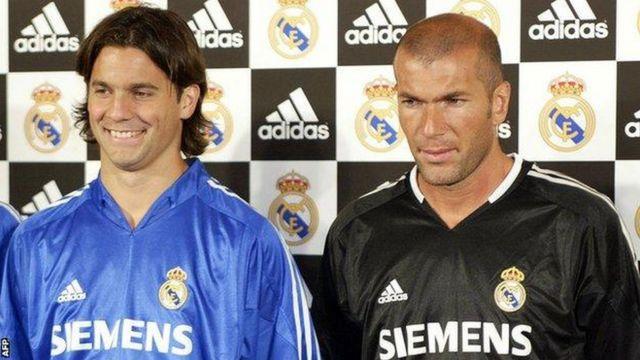 Solari (ibumoso) ni we watangiye atera umupira Zidane yaje gutsindamo igitego cy'intsinzi cya Real Madrid mu mukino wa nyuma wa Champions League mu mwaka wa 2002