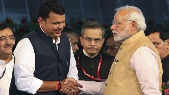 देवेंद्र फड़नवीस प्रधानमंत्री मोदी के साथ