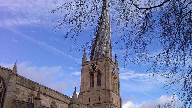 Шпиль церкви Св. Марии и Всех Святых в Честерфилде