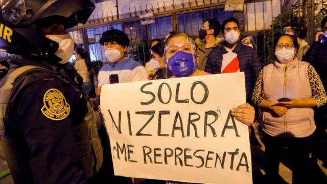 Protestas contra la destitución de Vizcarra
