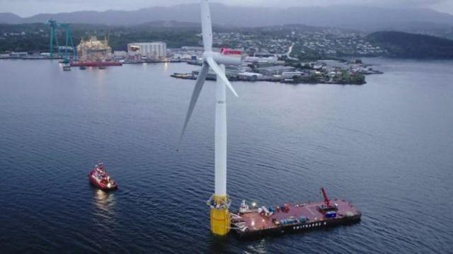 ตัวกังหันลมผลิตไฟฟ้ามีความสูง 175 เมตร ซึ่งสูงกว่าหอนาฬิกาบิ๊กเบน