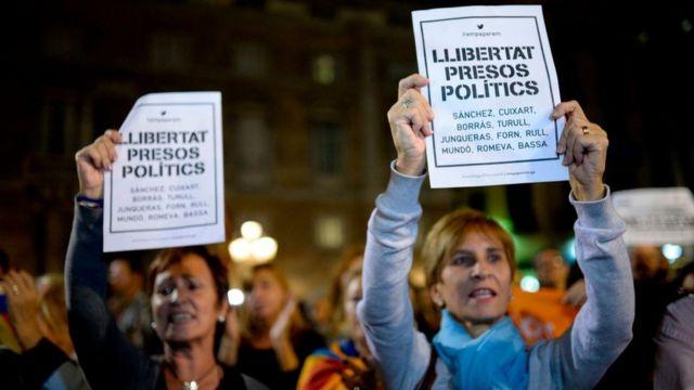 Manifestación en contra de la detención de los exfuncionarios catalanes.