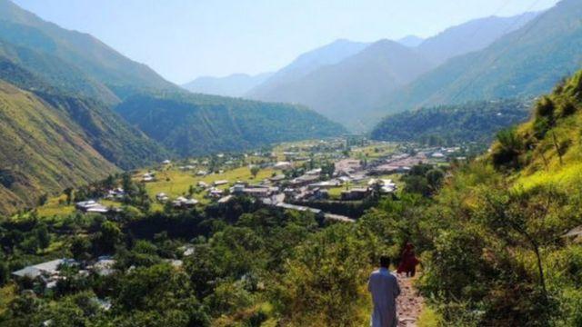 पाकिस्तान प्रशासित कश्मीर का चकोठी बाज़ार.
