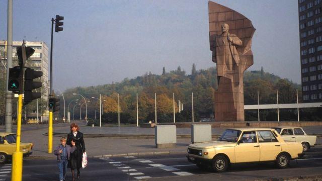 Lenin's statue towers over Lenin Square in East Berlin in October 1989