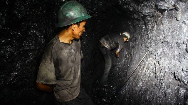 Mineros en Perú.