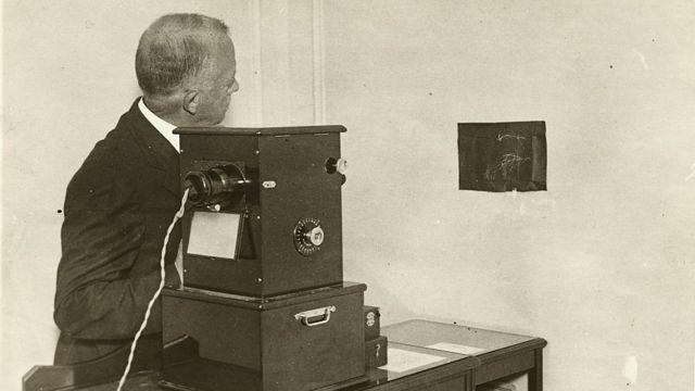 Gilbreth y su aparato