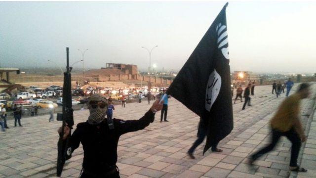 يضم التنظيم مئات المقاتلين من حملة الجنسيات الغربية