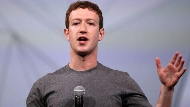 Mark Zuckerberg hablando.