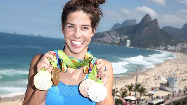 A nadadora Maya Dirado ganhou quatro medalhas no Rio e volta pros EUA para trabalhar numa empresa de consultoria