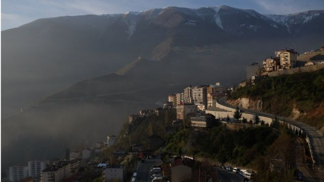 Dağ yamacına kurulu Artvin'in coğrafyası maden, baraj ve hidroelektrik santral projeleriyle baştan şekillendiriliyor