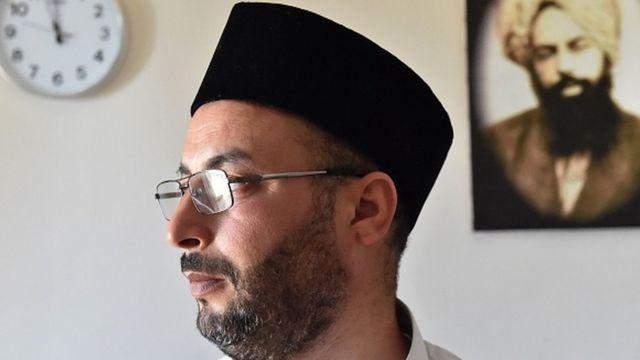 Algérie : six mois de prison pour le chef des Ahmadis