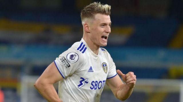 Ezgjan Alioski celebrating a Leeds goal