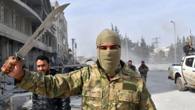 عنصر من الجيش الحر في عفرين