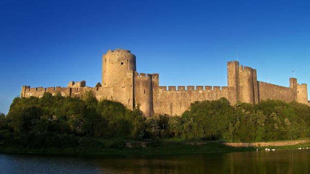 Замок Пембрук