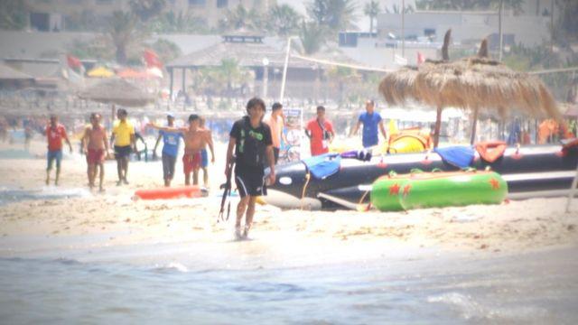 Seifeddine Rezgui sur la plage de Sousse