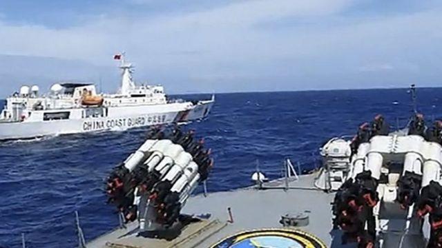 KRI Tjiptadi menghalau kapal China