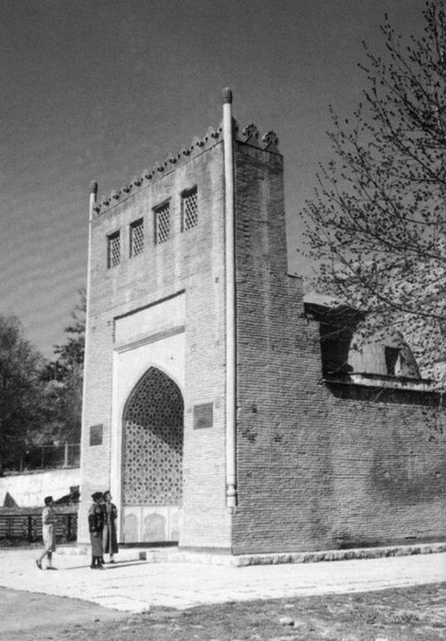 Асаф ибн Бурхиянын мавзолейи