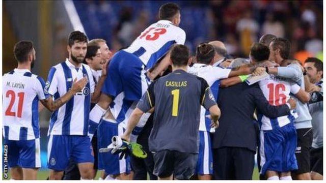 Quintuplé du FC Porto face au petit Leicester