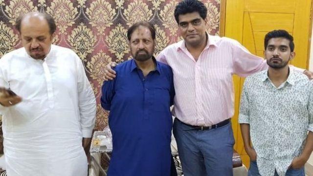 عمران علی شاہ (دائیں سے دوسرے)