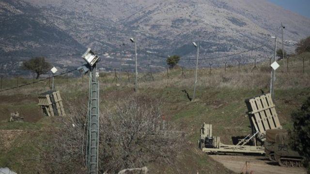 سامانه ضدهوایی گنبد آهنین اسرائیل در بلندیهای جولان در مرز با سوریه