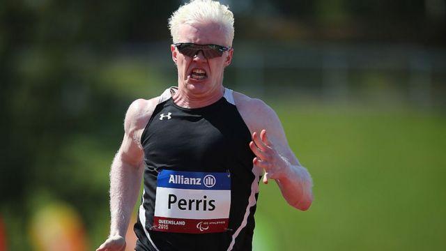 Chad Perris, australien et albinos, l'un des centaines de sportifs aux jeux para-athlétiques de Londres.