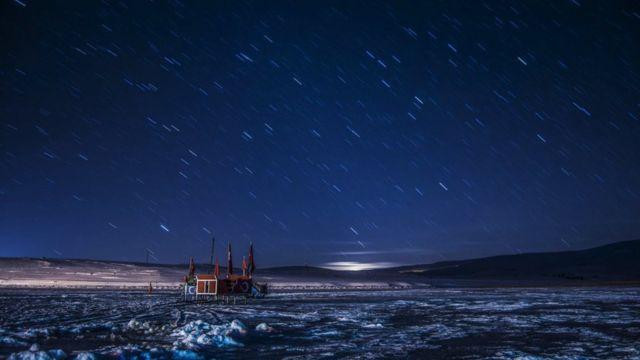 ستارگان آسمان دریاچه چلدیر در ترکیه