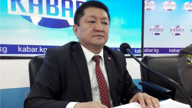 Саламаттыкты сактоо министри Космосбек Чолпонбаев