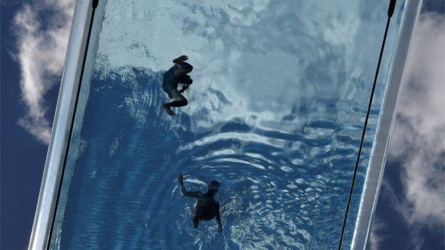 Piscina flotante