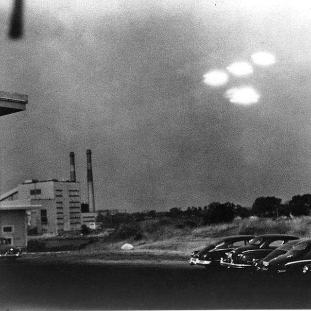 Objetos no céu fotografados em Massachusetts em 1952