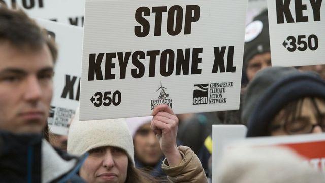 Opositores del oleoducto Keystone XL en una manifestación en 2017.