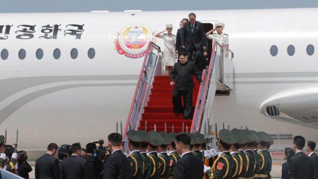 Kim Jong-un arrives in Dalian