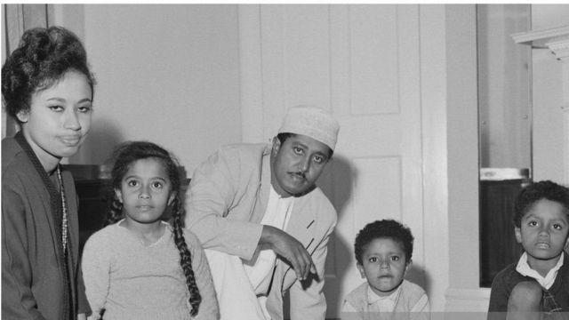 Suldaan Jamshid bin Cabdullaahi iyo qoyskiisa