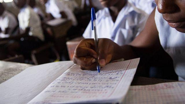 Des milliers de jeunes déplacés congolais font face à de sérieux défis, dont le manque d'accès à l'enseignement