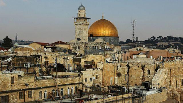 โดมทองเป็นสัญลักษณ์ของเนินวิหารศักดิ์สิทธิ์ (Temple Mount) แห่งนครเยรูซาเล็ม