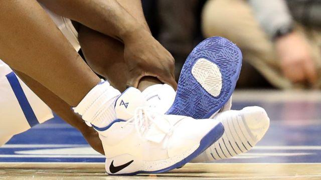 Nike ayakkabı parçalandı