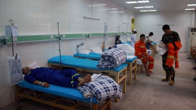Injured workers receive treatment in Dongguang City, Guangdong (13 April 2016)