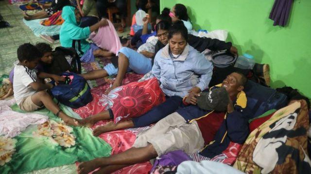 Personas en un albergue en Nicaragua