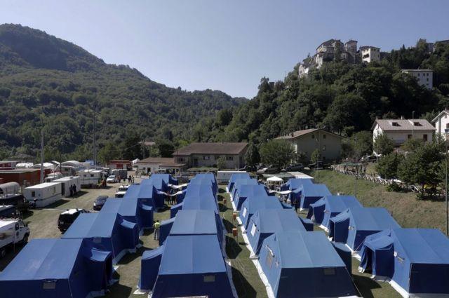 Палаточный лагерь Арката дель Тронто